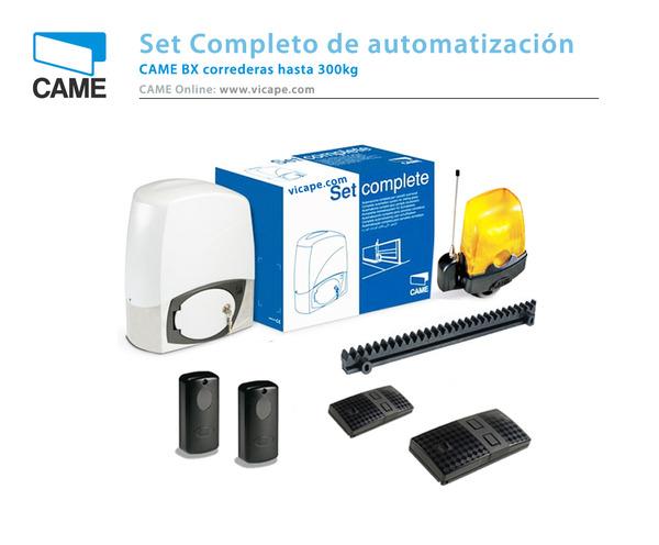 Automatismo CAME de alta velocidad y bajo consumo con capacidad de uso intensivo, fotocélulas, luz de aviso, 2 mandos y 4m de cremallera silenciosa.